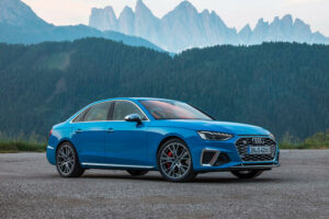 2021 blue Audi S4